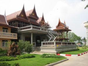 AYUTTHAYA – THE WONDERFUL OLD CAPITAL OF THAILAND NEAR BANGKOK